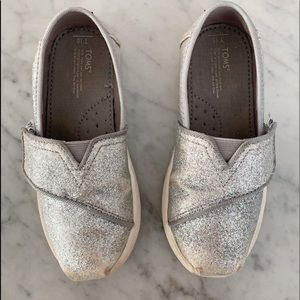 TOMS girl's shoes